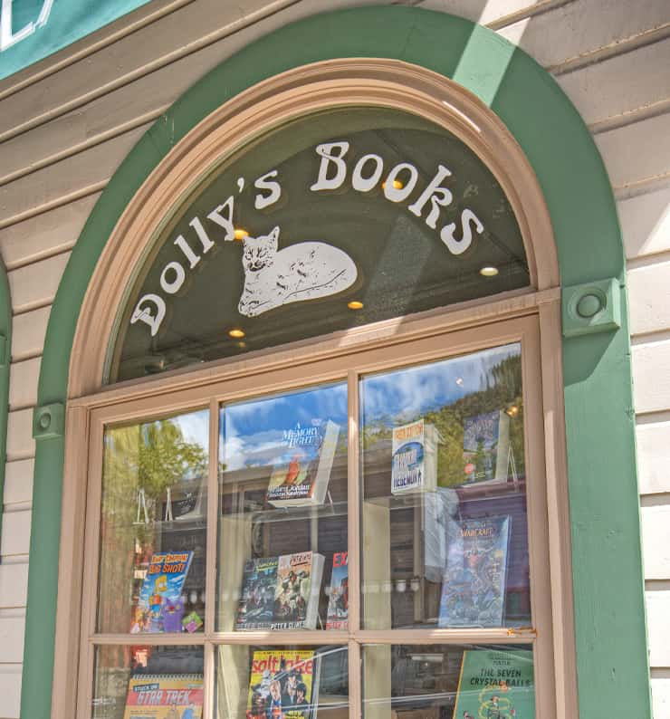 Dolly's Bookstore